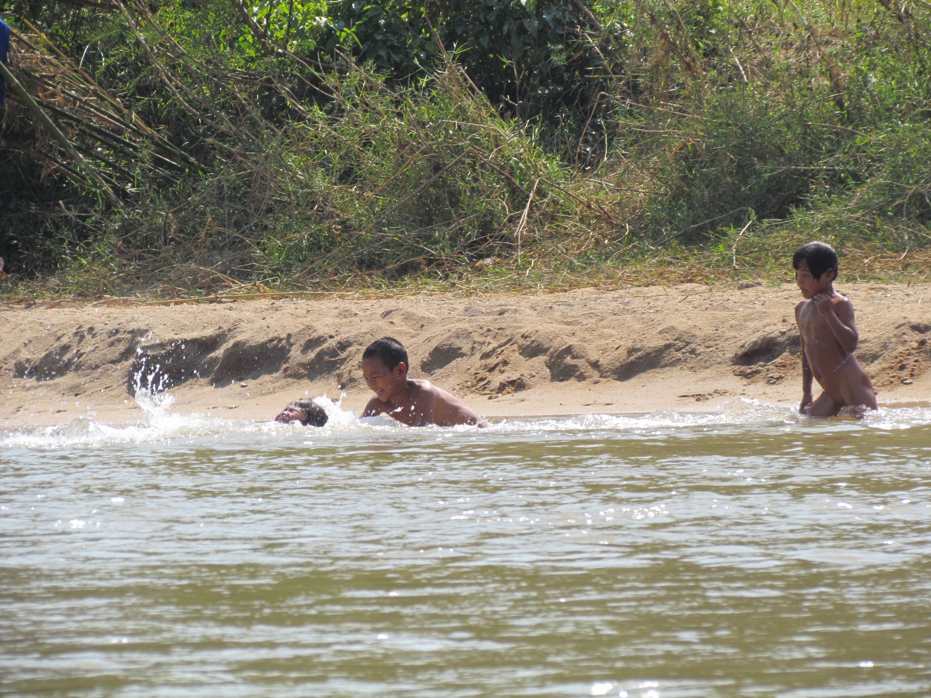 boy swimming river - photo #35
